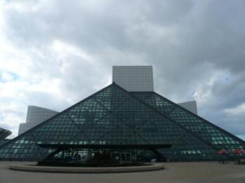 rock-and-roll-hall-of-fame-cleveland-oh.jpg