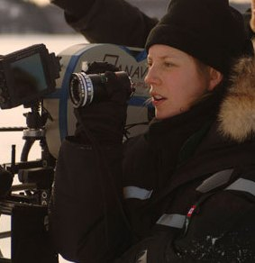 sarah-polley-on-the-set-of-away-from-her