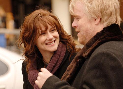 Laura Linney and Philip Seymour Hoffman