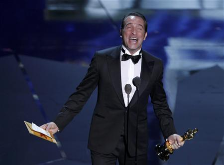 French actor jean dujardin accepts the oscar for best for Dujardin christophe