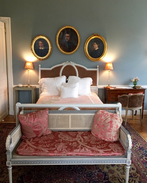 Writing bed (1)