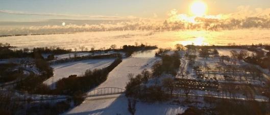 Sunrise over Lk Ontario Jan 5.jpg